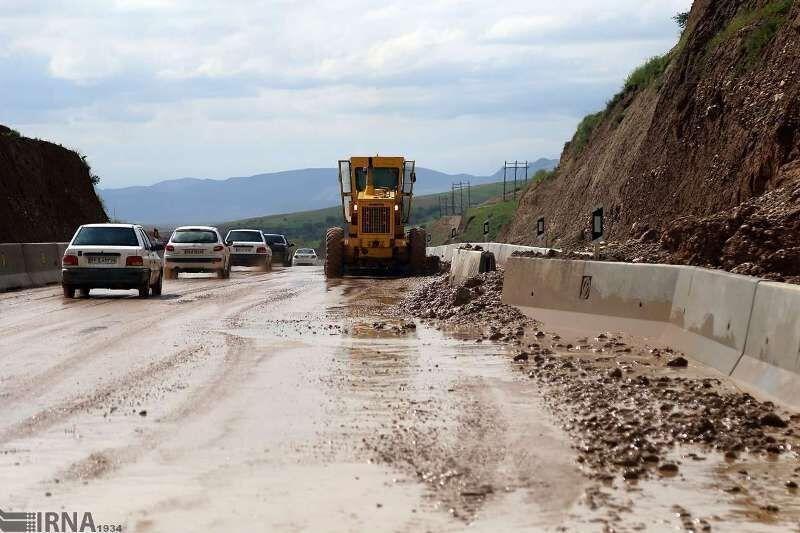 خبرنگاران راه ارتباطی 20 روستای سوادکوه بازگشائی شد
