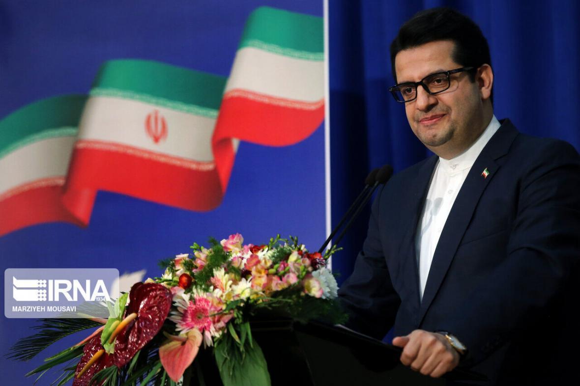 خبرنگاران سخنگوی وزارت خارجه روز عطار را تبریک گفت