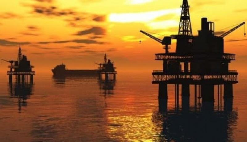 اولین قیمت نفت در هفته جدید میلادی ، طلای سیاه اندکی افت کرد