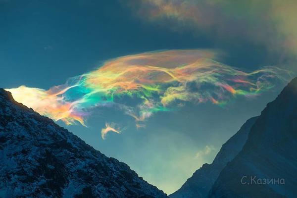تصاویر عجیب از ابر های رنگین کمانی در سیبری