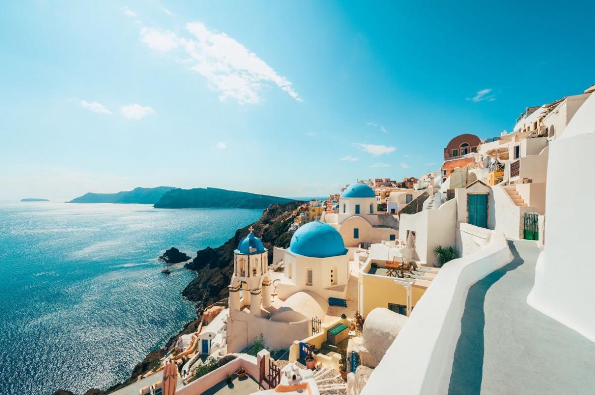 اخذ اقامت یونان از طریق تمکن مالی