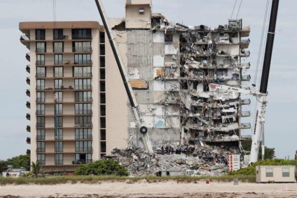 تعداد قربانیان ریزش ساختمان در فلوریدا به 22 تن رسید